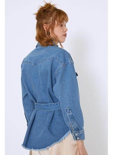 Quzu Kemer Detaylı Çıtçıtlı Uzun Kot Ceket Mavi